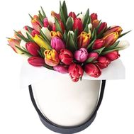 Tulips in a box to buy - flowers and bouquets on df.ua