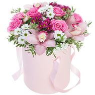 Live flowers in a box - flowers and bouquets on df.ua