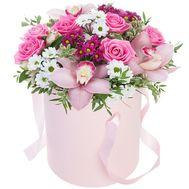 Живі квіти в коробці - цветы и букеты на df.ua