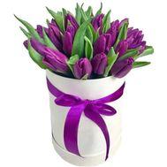 Фіолетові тюльпани в шляпній коробці - цветы и букеты на df.ua