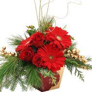 Композиция с новогодним декором:игрушки, ветки сосны - цветы и букеты на df.ua