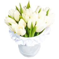 Box with white tulips - flowers and bouquets on df.ua