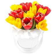 Small box with tulips - flowers and bouquets on df.ua