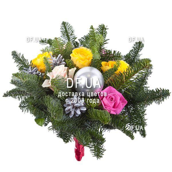 Ромашки в новогоднем букет фото #5