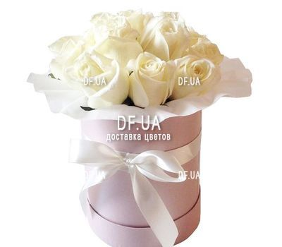 """11 white roses in a box"" in the online flower shop df.ua"