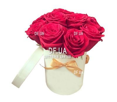 """11 red roses in a box"" in the online flower shop df.ua"