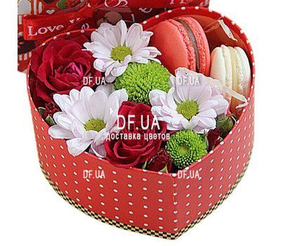 """Box of flowers and sweets"" in the online flower shop df.ua"