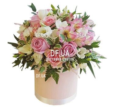"""Happy birthday flowers in a box"" in the online flower shop df.ua"
