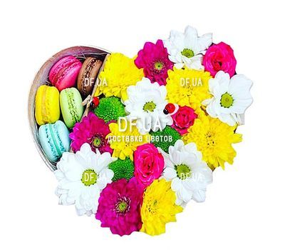 """""""Box of flowers with macaroons"""" in the online flower shop df.ua"""