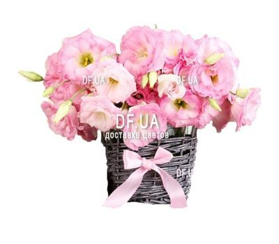 """""""Small basket of eustoma"""" in the online flower shop df.ua"""