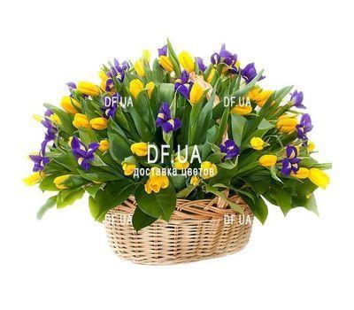 """""""Желтые тюльпаны и ирисы в корзине"""" в интернет-магазине цветов df.ua"""