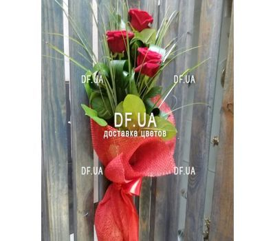 """""""Mini bouquet of 3 roses view 3"""" in the online flower shop df.ua"""
