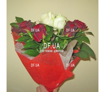 """""""11 roses - view 2"""" in the online flower shop df.ua"""