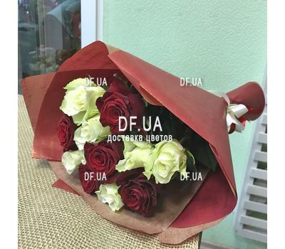 """""""11 roses - view 3"""" in the online flower shop df.ua"""