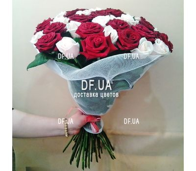 """Bouquet of red and ivory roses - view 1"" in the online flower shop df.ua"