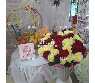 """Bouquet of roses red and white - view 3"" in the online flower shop df.ua"