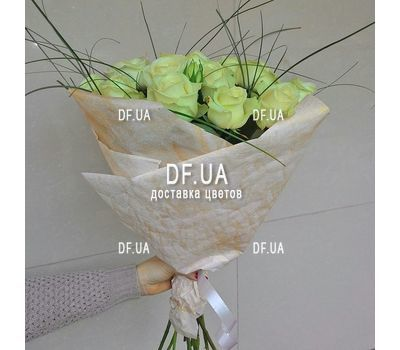 """Beautiful white roses - wiev 1"" in the online flower shop df.ua"