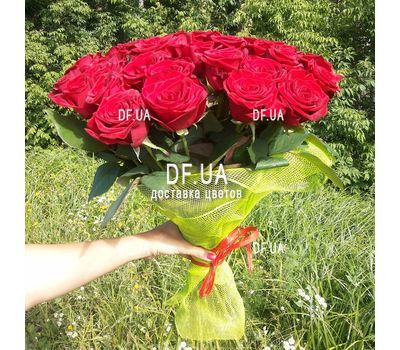 """Simple bouquet of roses - view 2"" in the online flower shop df.ua"