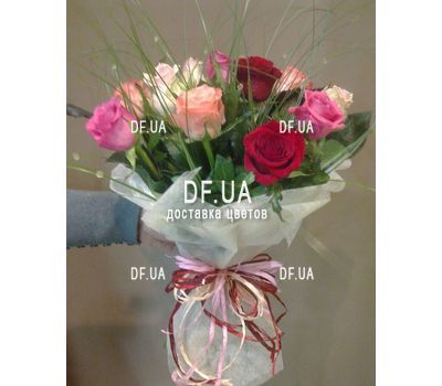 """""""Multicolored bouquet of short roses - view 1"""" in the online flower shop df.ua"""