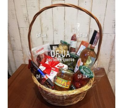 """Gift food basket - view 1"" in the online flower shop df.ua"