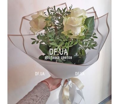 """""""Small bouquet of 3 roses 1"""" in the online flower shop df.ua"""